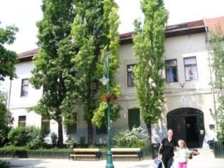 Templom téri iskolaépület