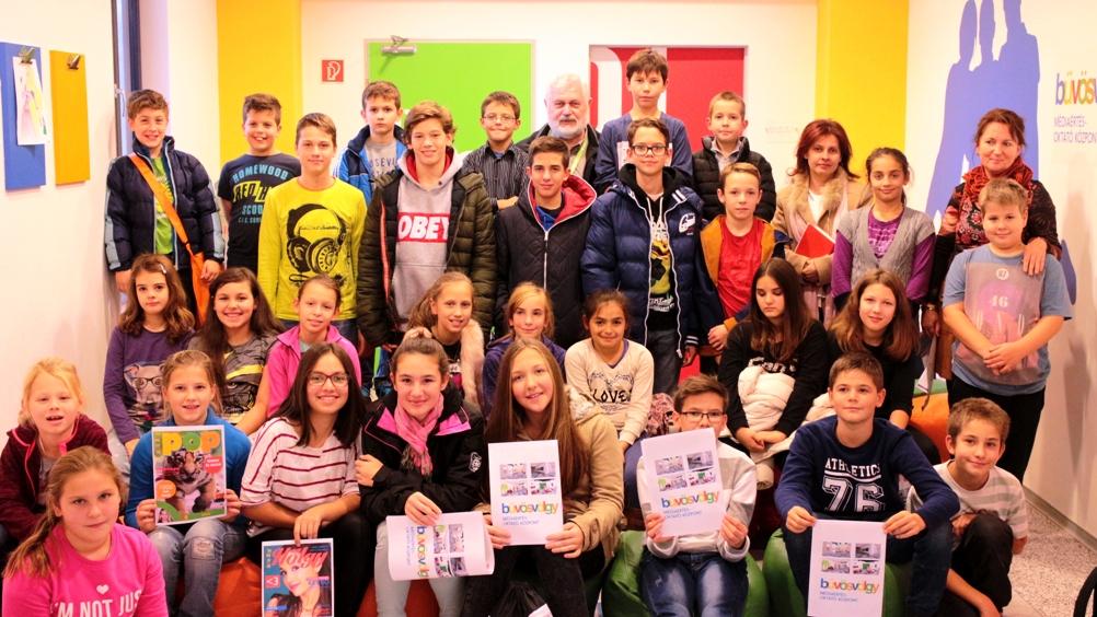 Informatika szakmai kirándulás, november 4-én a 4.a és a 6.d osztály II. csoportja - csoportkép